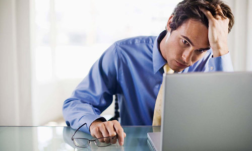 man-stressed-at-work-500