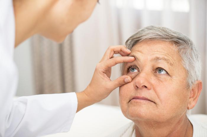 examining-eye
